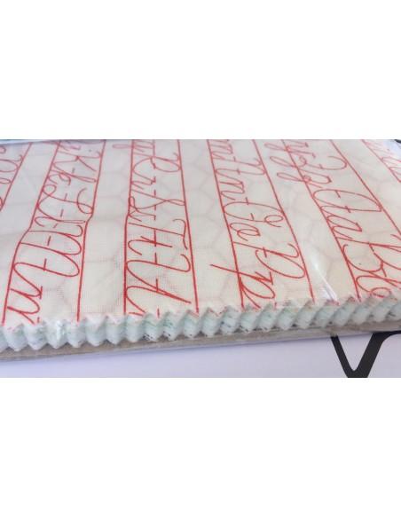 Layer Cake Pack de telas 25cm x 25cm Bee Backgrounds Lori Holt Claras