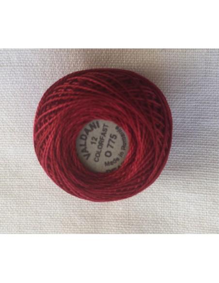 Ovillo hilo perlé Valdani rojo para red work