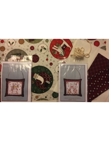kit colección con 2 Bordados Papá Noel y Renos. Red Work Adorno puertas Navidad Lynette Anderson
