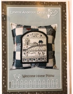 Patrón y botones cojín Welcome Home Pillow Lynette Anderson