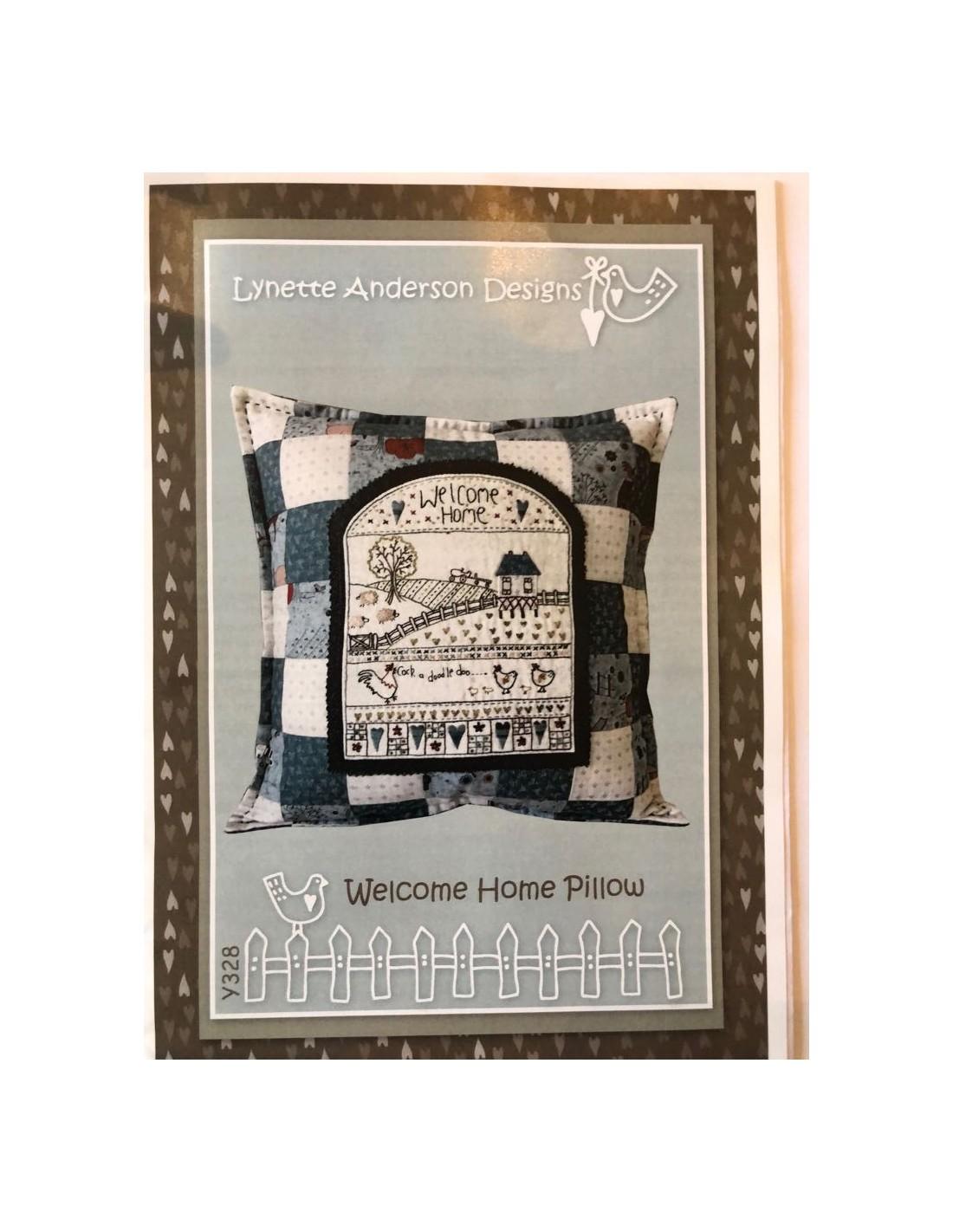 Patrón y botones cojín Welcome Home Pillow Lynette Anderson