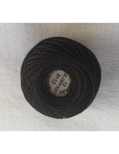 Ovillo hilo perlé Valdani negro para black work