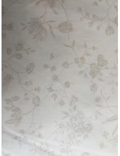 Tela patchwork trasera beis claro con flores pequeñas